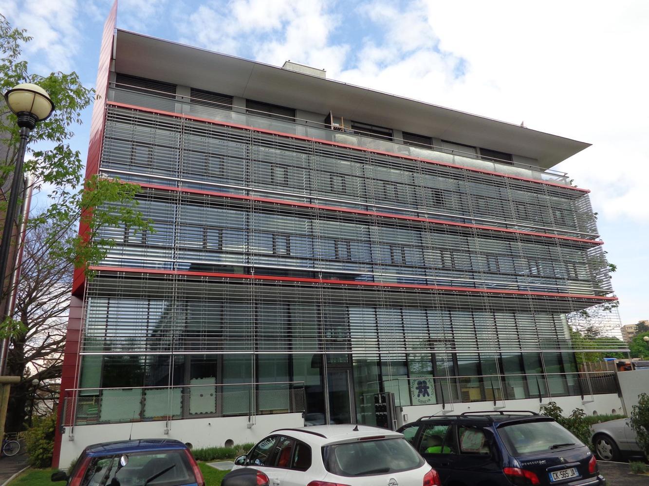 Gerofinance bureau lumineux d env m dans immeuble moderne